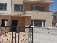 بيت في اوزال  172 م2 بسعر منااسب