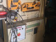 معدات صناعية للبيع